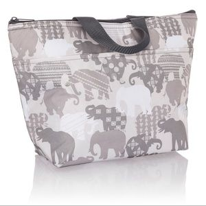Thirty-one Thermal Tote Elephant Parade